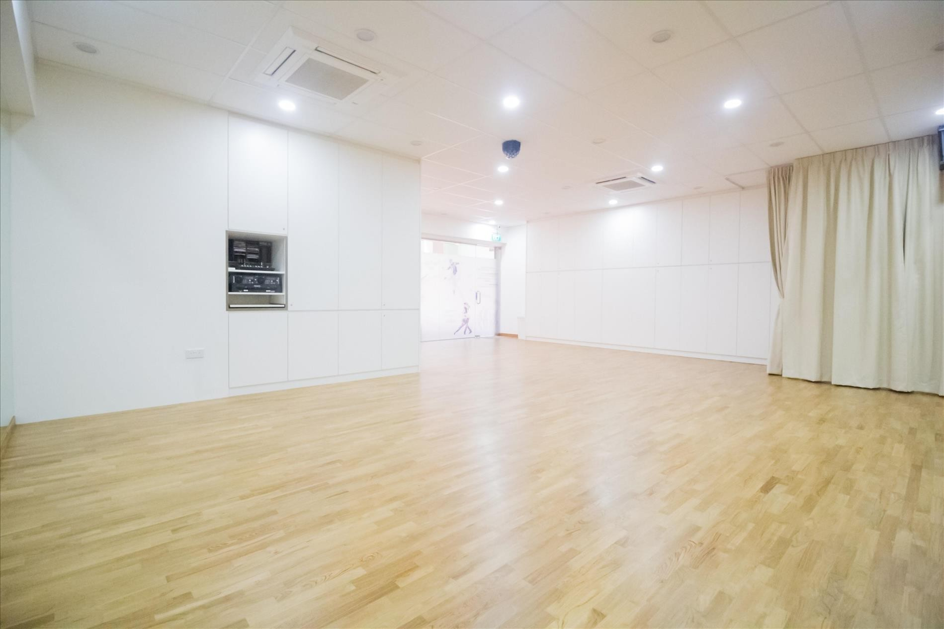 Affordable Dance Studio Rental for rehearsals private lesson etc